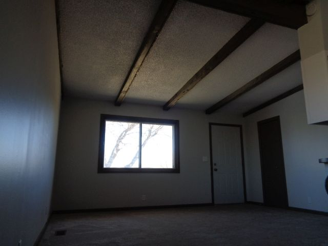 "Living Room 15' 7"" x 12' (188 sq ft)"