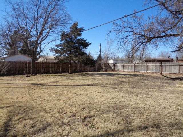 1004 Harrison Backyard